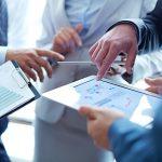 Investire in azioni. Valutazione delle società di servizi finanziari